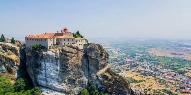 Башня ветров, метеорские монастыри, древнейшие греческие театры.